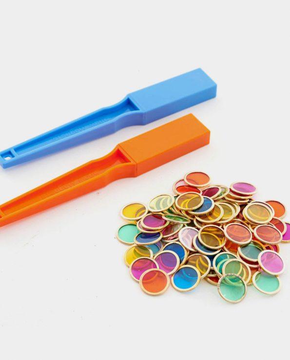 palas magnéticas con monedas mesa de luz