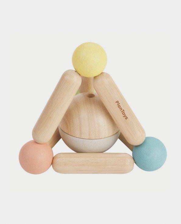 sonajero de madera en triángulo para bebés de plantoys