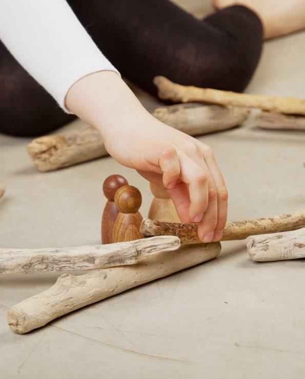 nins de madera grapat