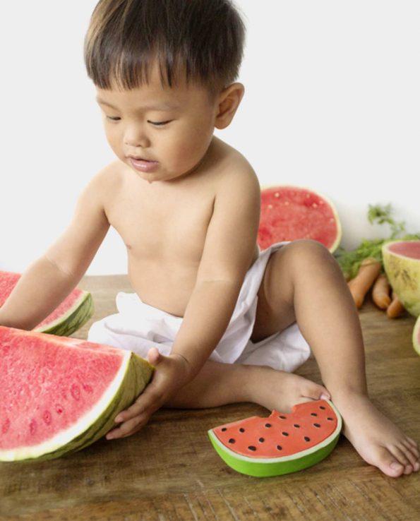 Mordedor natural para bebés oli and carol sandía