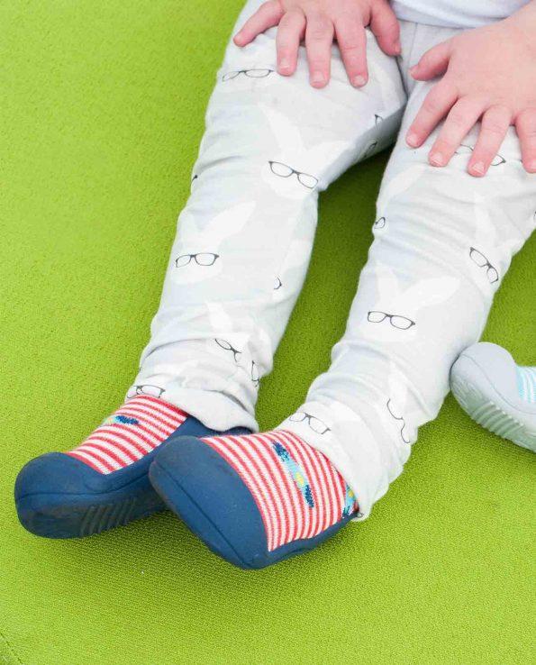 Zapatillas de bebé de la marca Attipas modelo ufo cohete rojo