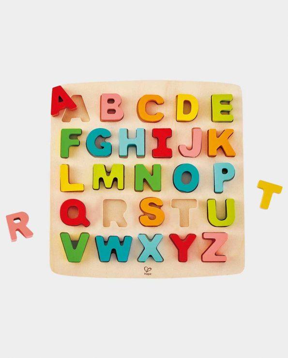 Puzzle de letras mayusculas de madera encajable de hape