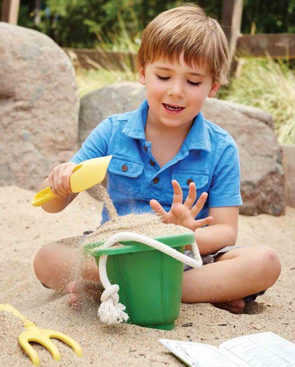 Set con cubo pala y rastrillo para niños para la playa, el campo para el jardin