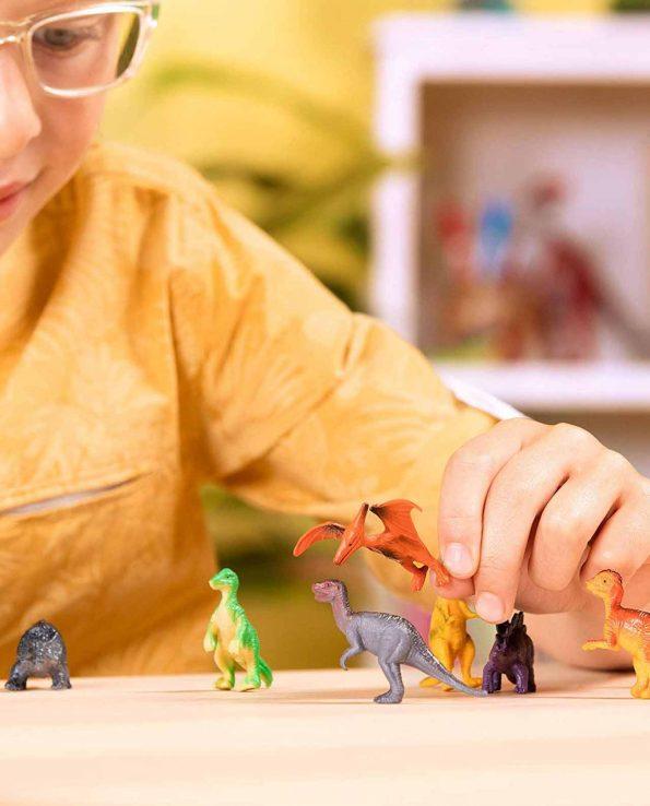 Bote de animales realistas de juguete Terra Dinosaurios