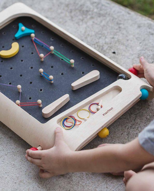 Pinball de madera para niños personalizable y de construcción de Plantoys