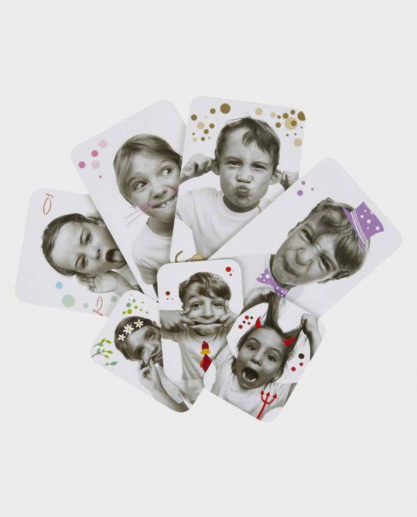Juego de cartas con muecas para niños de Djeco Grimaces