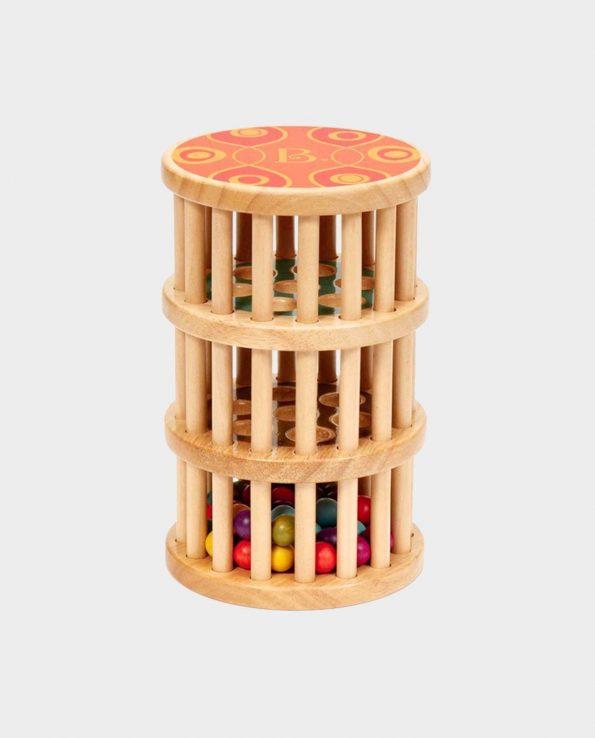 Palo de lluvia de madera para niños con agujeros.