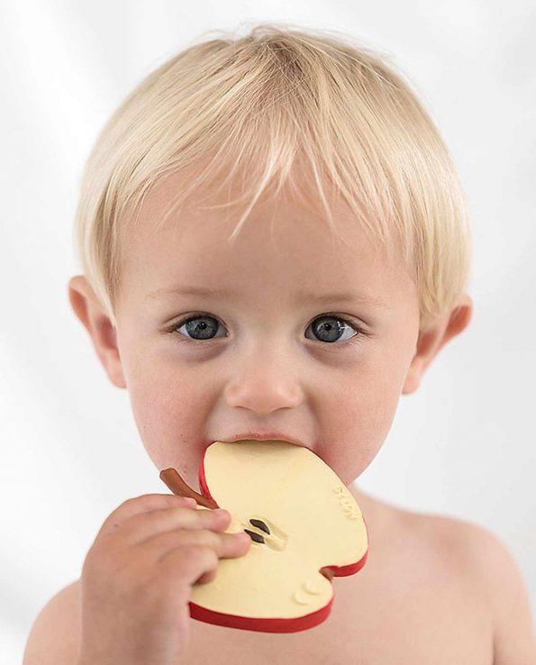 mordedor para bebes de fruta oli and carol pepita the apple manzana