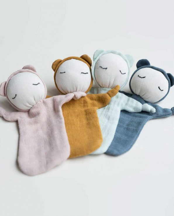 Muñeco de trapo para bebés ocre de fabelab
