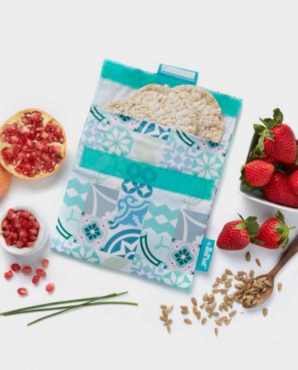 La bolsita porta snacks con la medida perfecta para llevar el sandwich o snack.