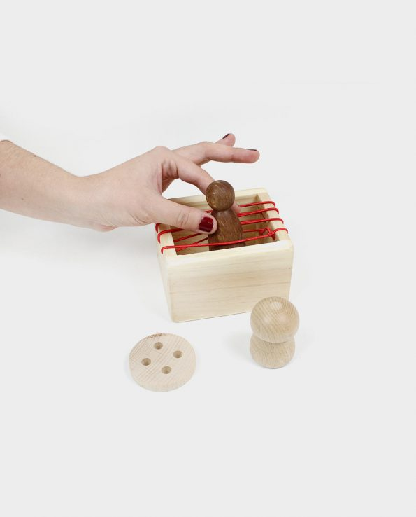 Caja de experimentación con gomas montessori