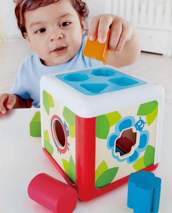 Cubo clasificador formas y colores de hape