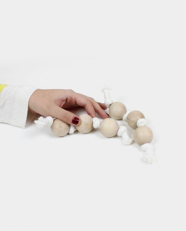 Guirnalda de algodón y bolas de madera para bebés y niños Juguete Montessori para la panera de los tesoros