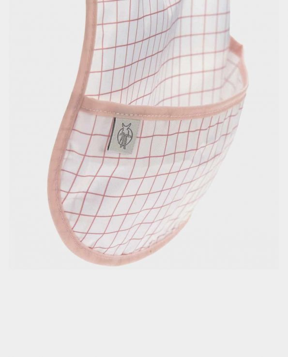Babero impermeable con bolsillo de la marca Lassig modelo Caracol