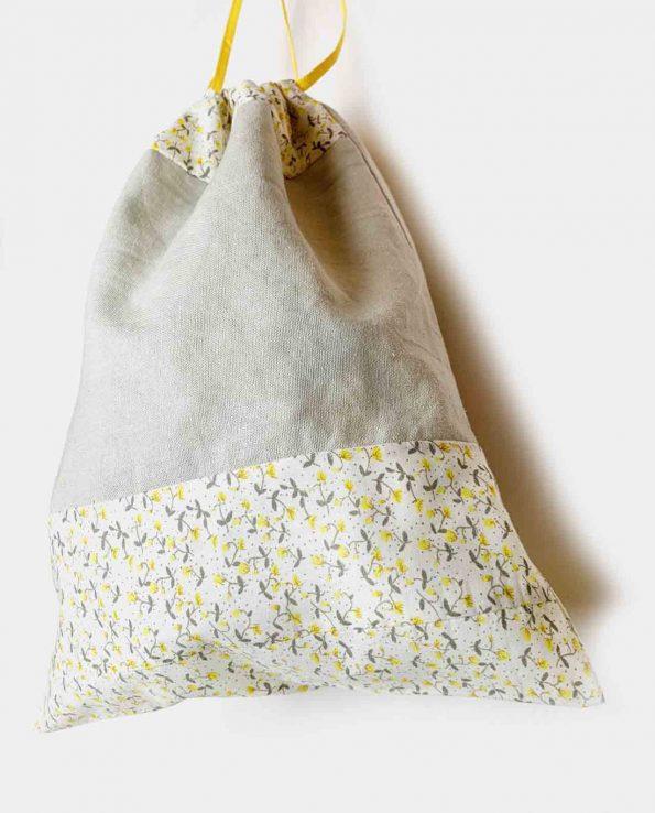 Bolsita de almuerzo para niños de cuerdas fabricada en algodón estampado florecitas amarillas