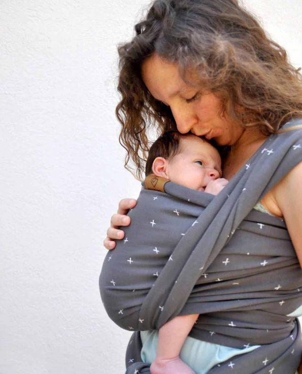 Fular Elástico Dark Crosses Baby On Earth porteo ergonómico elche alicante valencia