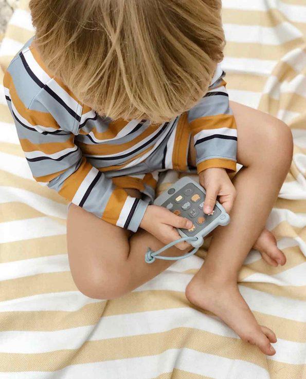 Mordedor de bebé sin tóxicos con forma de teléfono Sea Blue Liewood