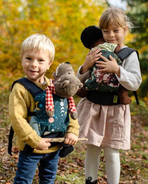 Boba Mini Forest Flower Child Mochila ergonómica para niños de juguete con estampado flores y hojas montessori juego simbólico porteo